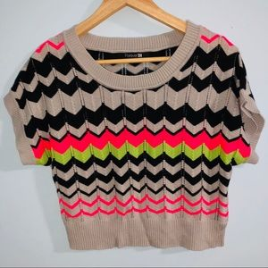 loose fit crop top colorful size M